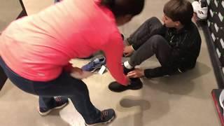 видео Покупаем кроссовки со стилем и практичностью.