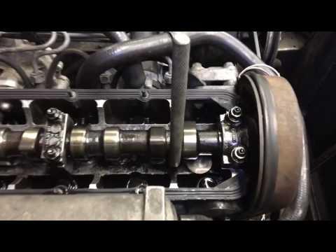Volvo D24T Adjusting Valves