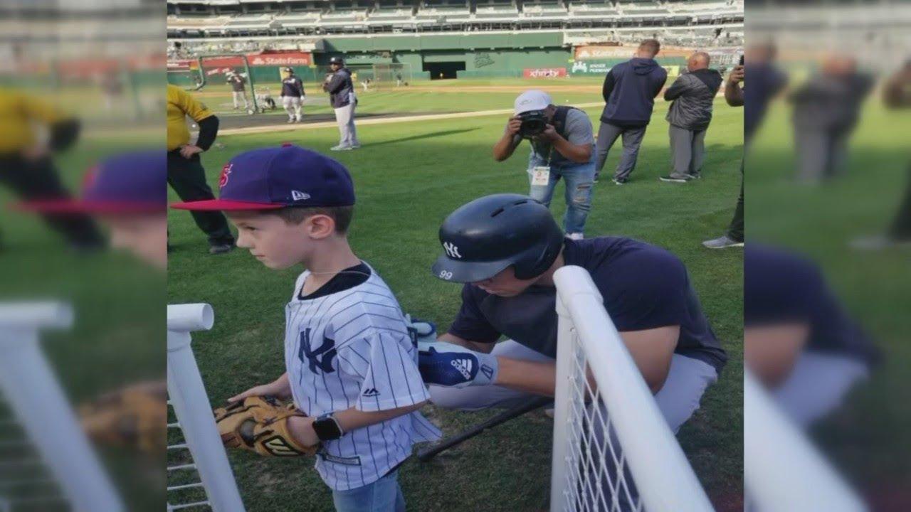 Aaron Judge greets Clovis kid after dad dies