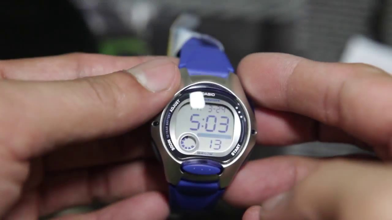 f98523899e63 Casio LW-200-2AV - YouTube