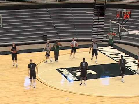Improve Passing with a Drill from Tom Izzo! - Basketball 2015 #91