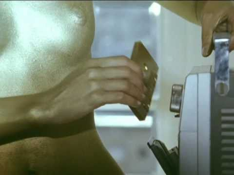 "El Guincho ""Bombay"" (Official Video)"