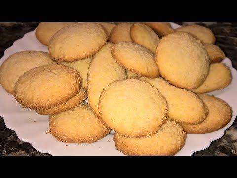 Кокосовое печенье. Кокосовое печенье рецепт. Печенье с кокосовой стружкой.