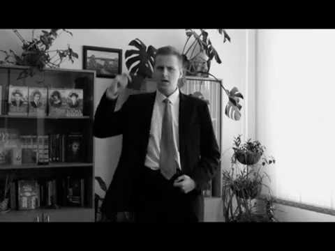 Изображение предпросмотра прочтения – КапитонПоспелов читает произведение «Стихи о советском паспорте» В.В.Маяковского