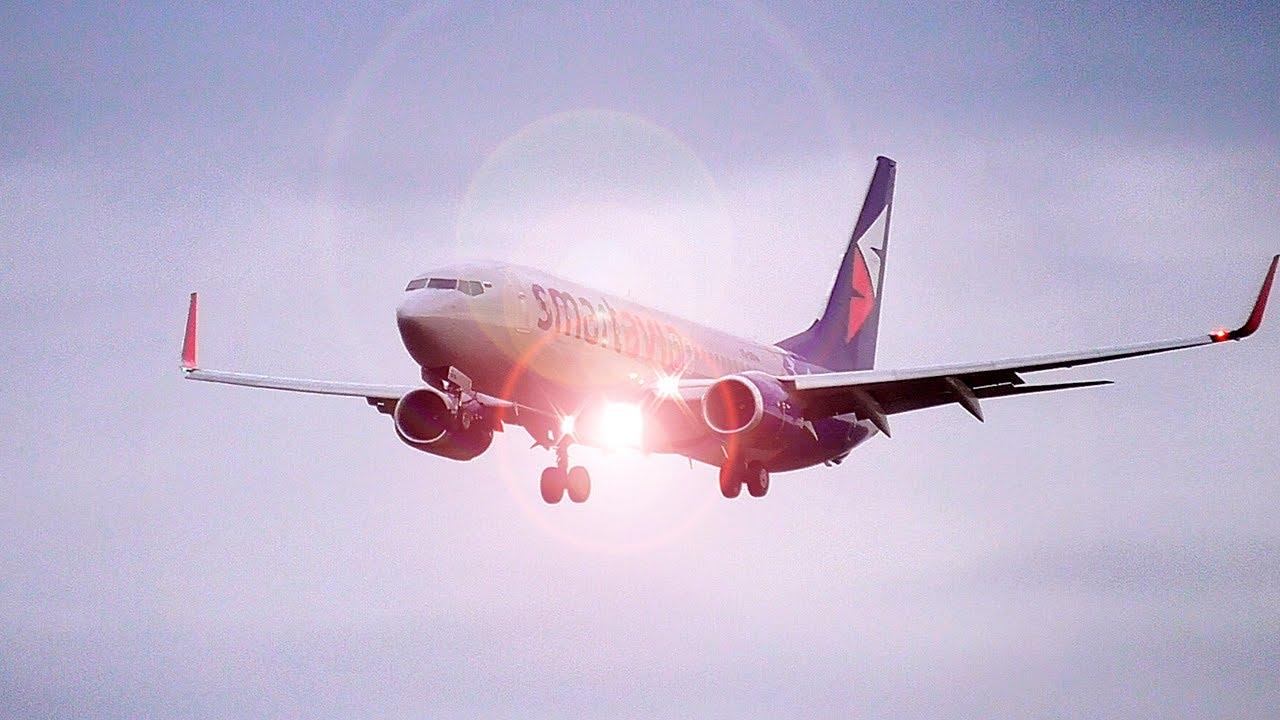 Пилот знал, что его снимают и поморгал фарой. Boeing 737-800 Smartavia / Аэропорт Домодедово 2020
