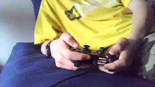 Gambar cover Minecraft played with a ps3 Controller!!!.wmv