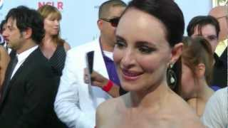 Madeleine Stowe's Favorite Spanish word is...? | Alma Awards | Entretenimiento