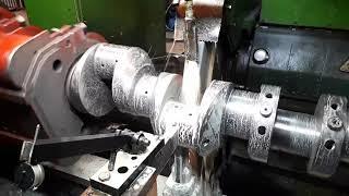 Шліфування/Ремонт колінчастих валів дизельних двигунів довжиною до 7,5 метрів.