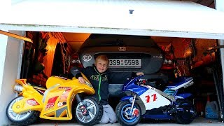 Funny Baby Ride on New Bike Mini Power Wheel Pocket Bike Hide and Seek in Garage with Daddy