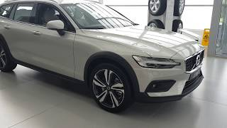 Новый VOLVO V60 Cross Country (Вольво В60 Кросс Кантри)