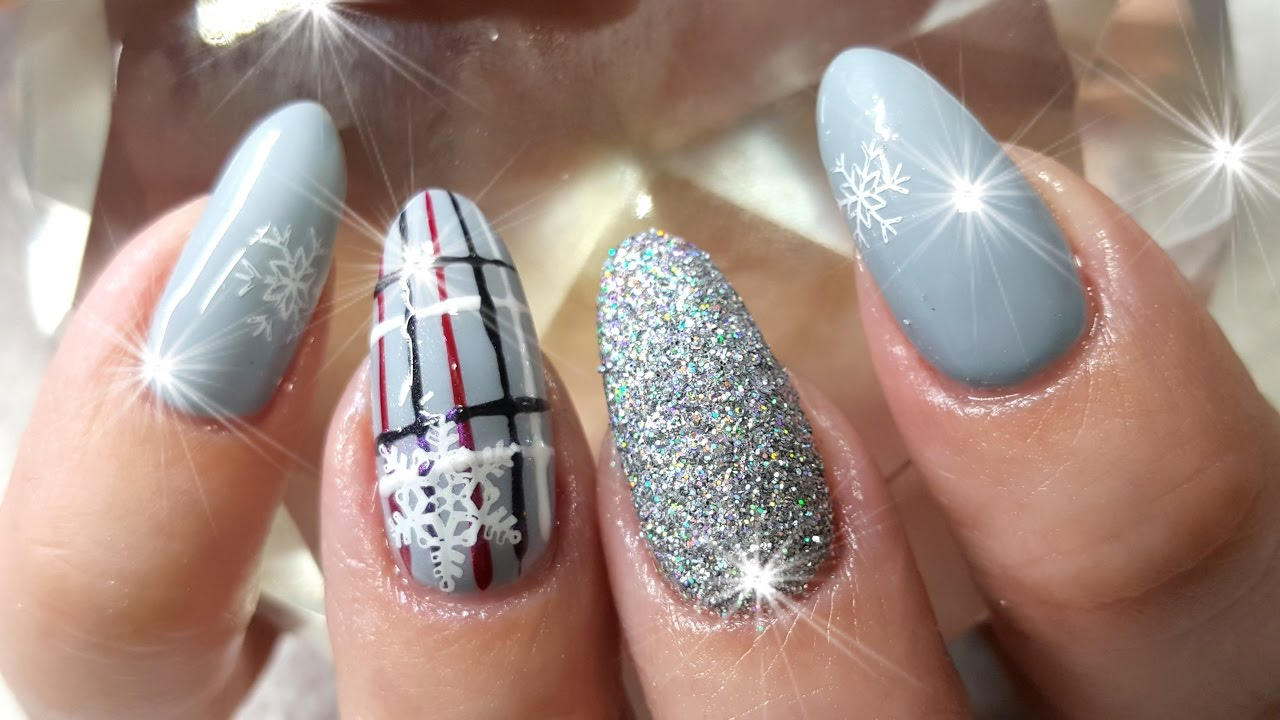 Acrylic Nails Plaids & Snowflakes Winter Theme Nail Design ...