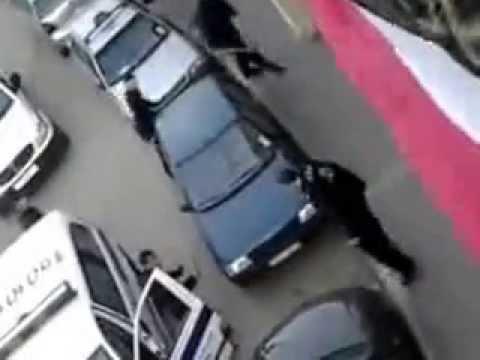 un fou attaque la police a bab el oued