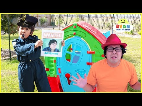 Ryan Pretend Play Police Helps to find the real daddy!