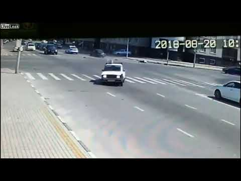 Policeman Hit When Trying to Stop Vehicle