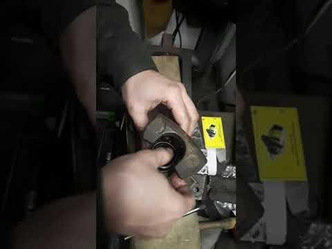 Как легко заменить пыльник суппорта