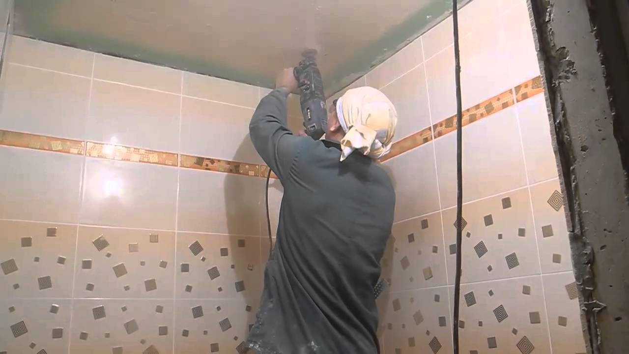 Потолки в ванной комнате своими руками видео фото 349