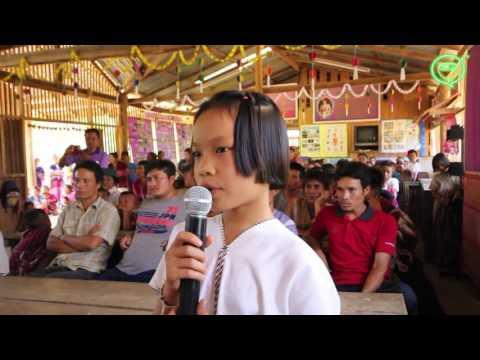 Karen community learns Thai in karaoke class