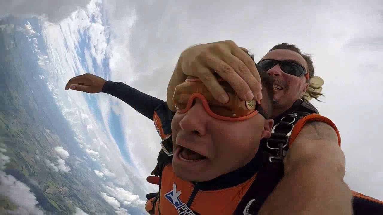 Salto de Paraquedas do Fabio L na Queda Livre Paraquedismo 07 01 2017