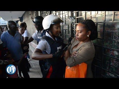 Dramatic Cross Roads arrest, photographer pepper-sprayed