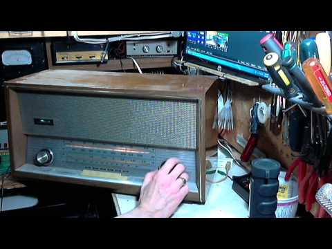 Florida Yugoslavian-built AM/FM/SW Tube Radio Video #1 - Checkout