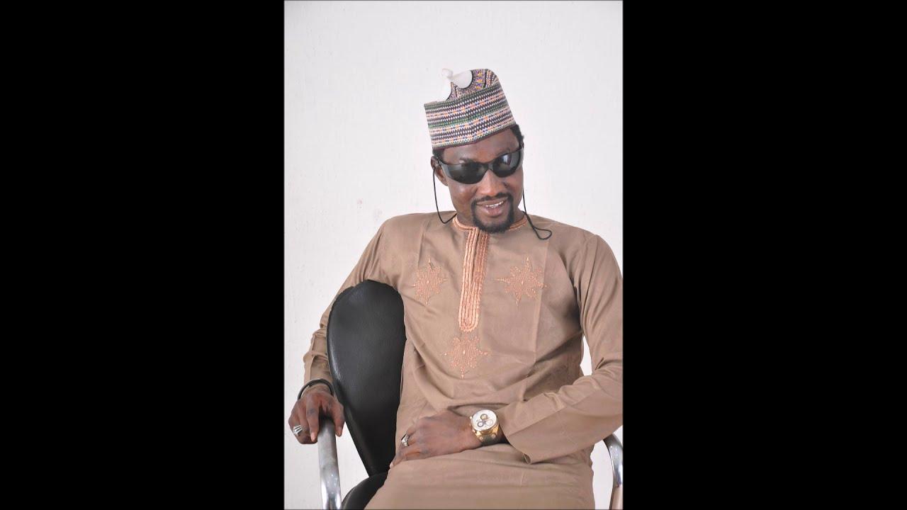 Download Nura M. Inuwa - Mai Zance Ft Isah Ayagi