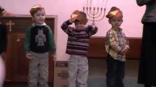 Thanksgiving - Preschool Sings Mr. Pumpkin Song
