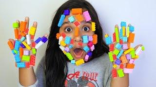 शफ़ा के चेहरे पर लेग़ो चिपक गया।