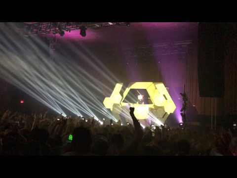 Bear Grillz - Live @ Skyway Theatre, Minneapolis, MN 4/8/17