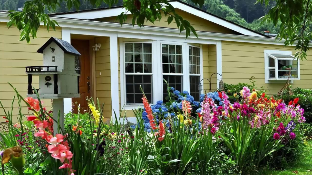 How To Make A Flower Bed In Front Of House