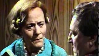 Fleksnes Fataliteter - S05E06 - Morderen som forsvant - 1982 - Del 2/3 thumbnail