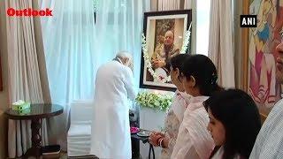 PM Modi Meets Late Arun Jaitley's Family