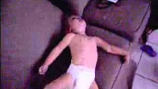 Repeat youtube video Scary Breath-holding spells     Espasmo de Sollozo muy severo