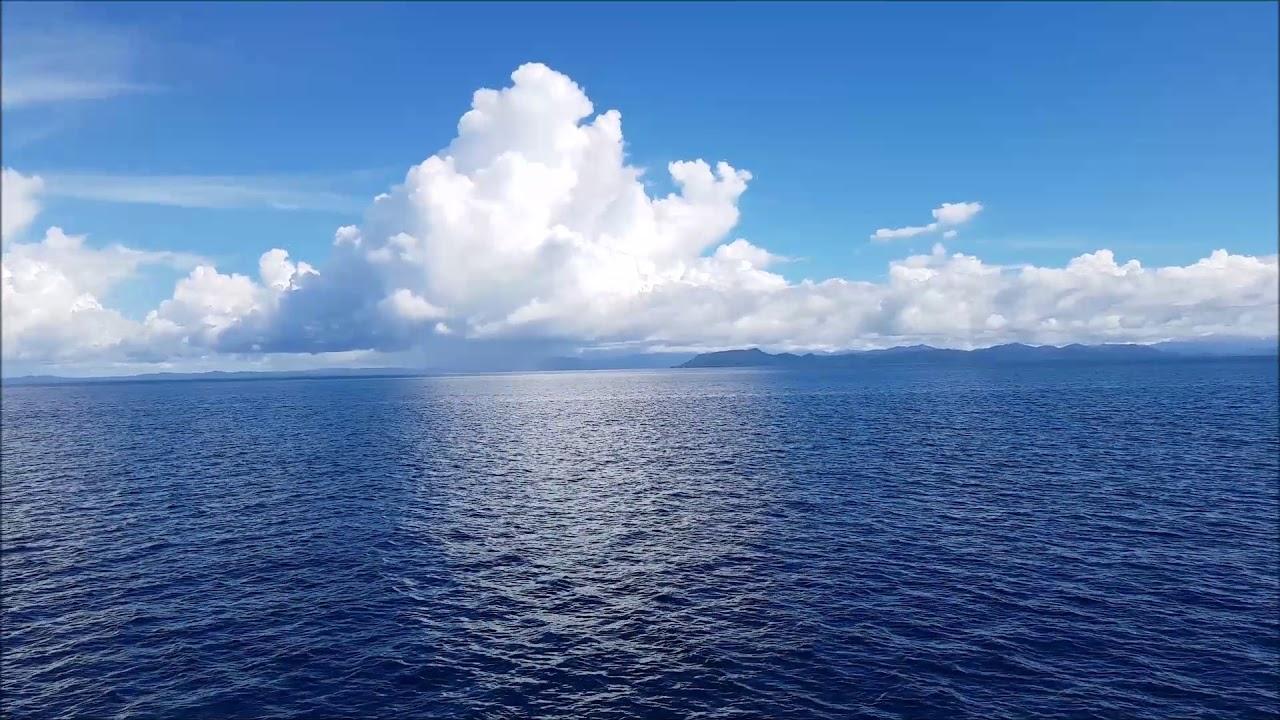 Menikmati Indahnya Pemandangan Laut Perjalanan Menuju Raja Ampat Youtube