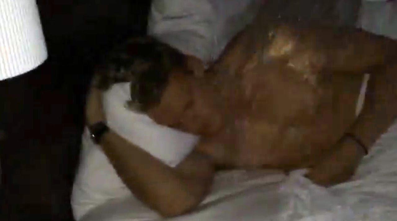 Cody Simpson – Ice Bucket Challenge - (August 19, 2014)
