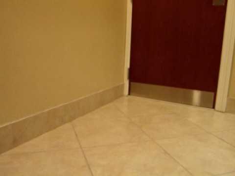 Hotel Bathroom '-'