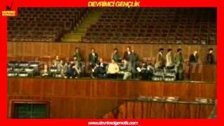 Gençlikten mecliste 'harçlara hayır' pankartı 29 Şubat 1996-Öğrenci Koordinasyonu