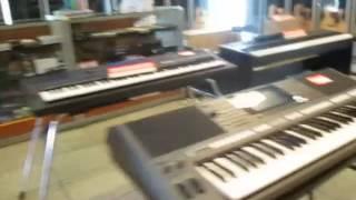 Heboh murah dan Diskon 50% alat-alat musik di Blok M