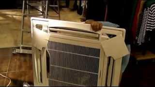 Кассетный кондиционер(Устанавливаем кассетные кондиционеры в магазин одежды площадью 300м2 http://vent.vn.ua/kasetnye-konditsionery.html., 2013-06-02T17:25:45.000Z)