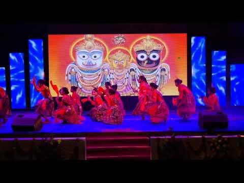 Jhuli Jhuli Asuchhe Odiya Dance Performance At Shivom Vidyapeeth