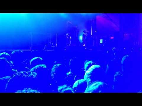 Shades Of Blue (live) - Vic Mensa