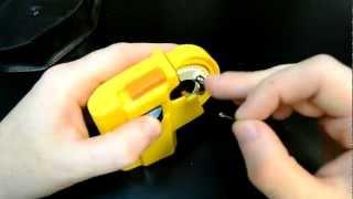 Машинка для вязания крючков :)(Видео об очень незаменимой вещи, которая решит множество проблем опытного рыбака и ещё больше новичка........., 2012-07-30T23:53:26.000Z)