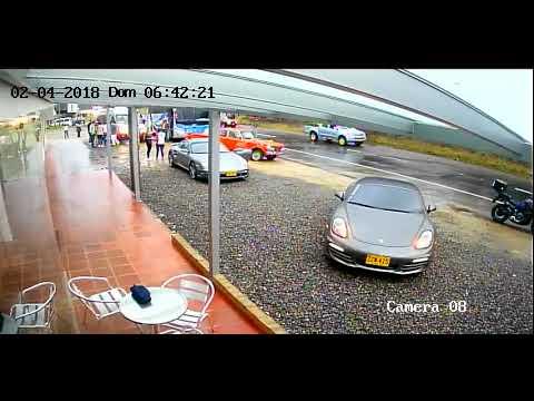 La W revela video del choque de autos de gama alta en Vía Tunja