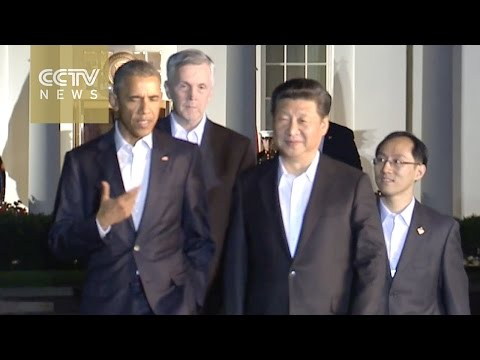 Exclusive! Raw: President Xi walks with President Obama outside the White House 【独家】[V观]习奥白宫散步