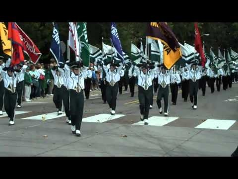 MSU's Spartan Marching Band - Parade to Spartan Stadium