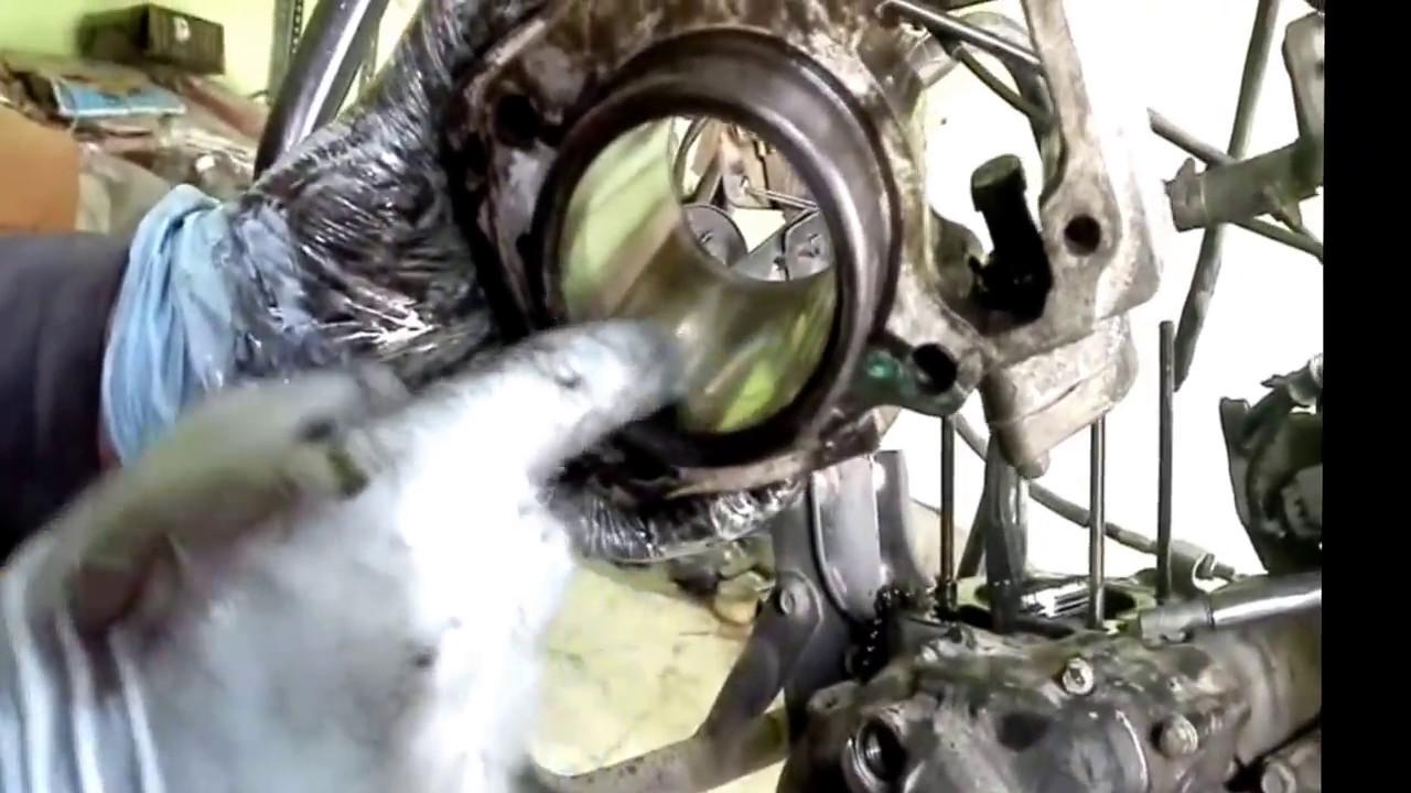 white smoke from engine fixed (cbz xtreme) 2 - YouTube