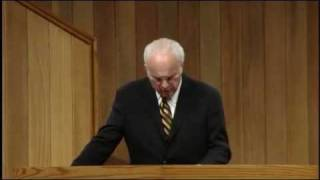 The Only Road To Heaven - John MacArthur (Matthew 7:13-14) [CC]
