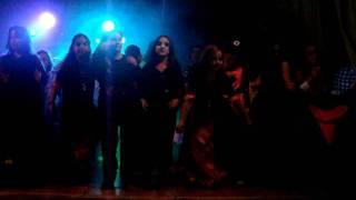 Bailando en la fiesta Halloween Colegio San Ignacio San Fernando