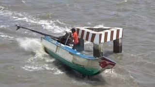 Tay nài vỏ lãi máy xe đỉnh nhất năm cái kết bất ngờ/speedboat