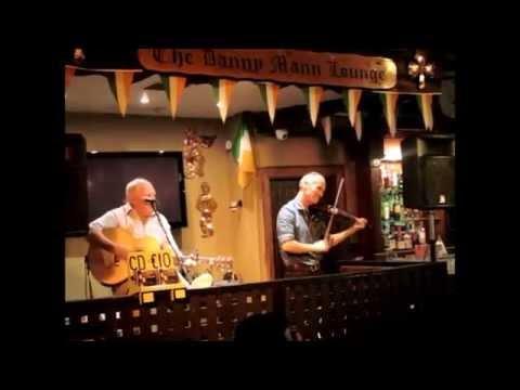Irlandzka muzyka na żywo w The Danny Mann Irish Music Pub w Killarney  - gra NATURAL GAS (25.10.215)