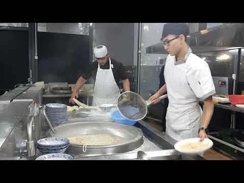Национальное Дунганское(Уйгурское) блюдо -Гуйру-Лагман!National Dungans' Food-Guyru-Lagman,Shymkent!